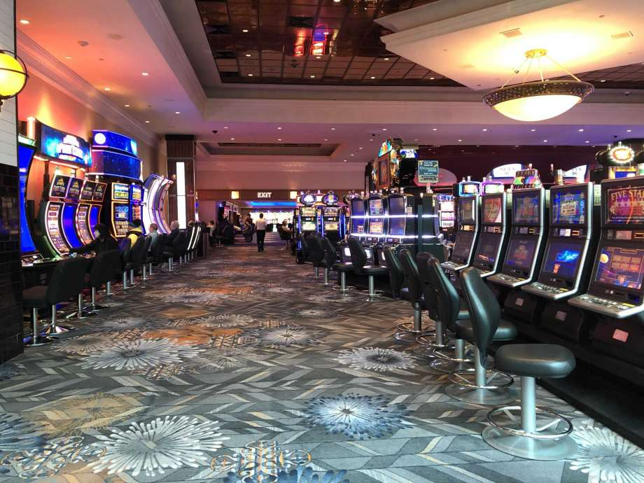 Six Rules About Casino Meant To Be Damaged